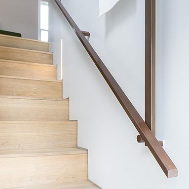 custom-metal-handrail-thumb