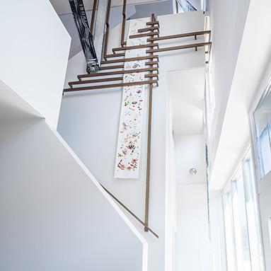 custom-staircase-handrail-thumb