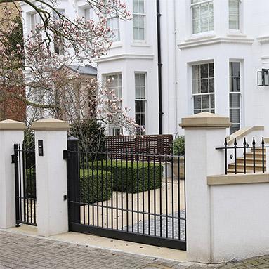 london-drive-gate-thumb