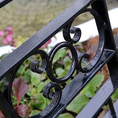 wrought-iron-railings-thumb
